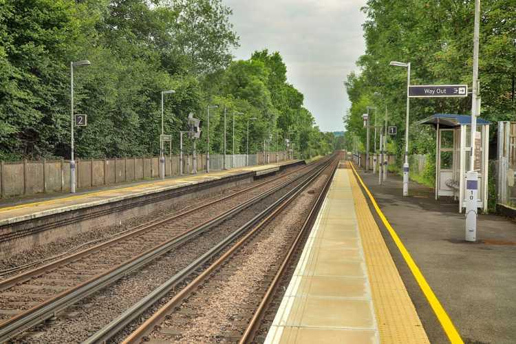 Dunton Green Station